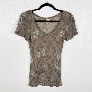BKE Buckle Size Small Floral Metallic Stretch Top